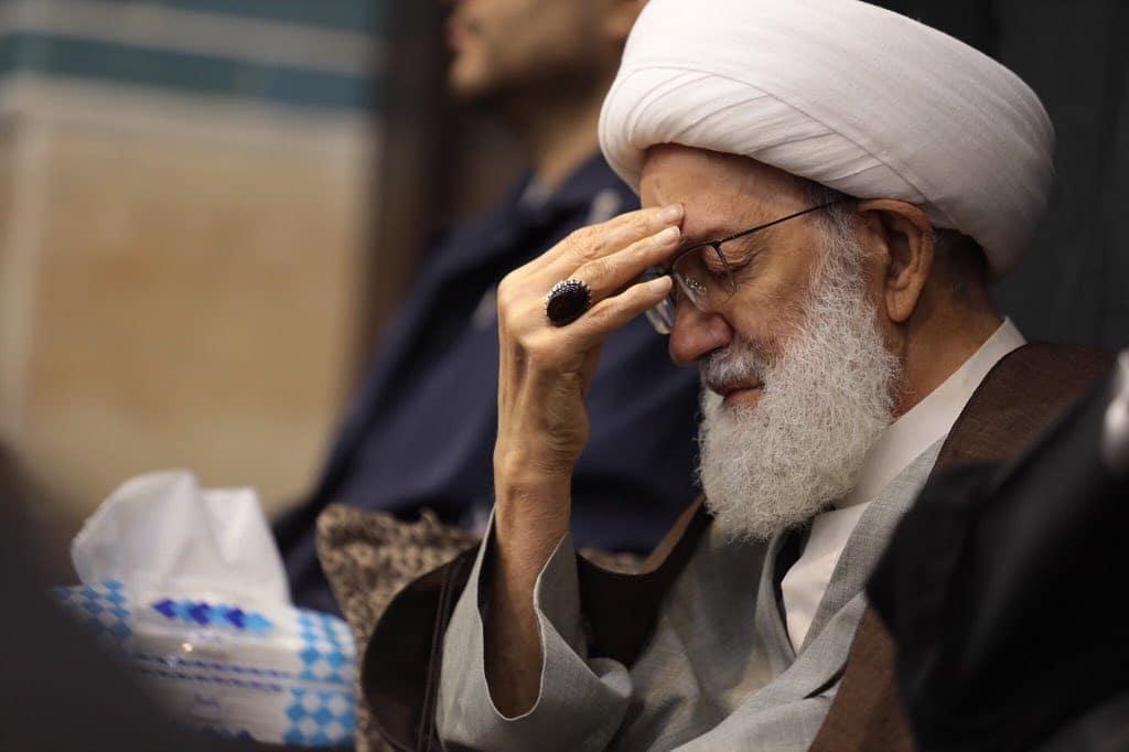 الفقيه القائد يشارك في إحياء ليالي القدر واستشهاد أمير المؤمنين«ع»