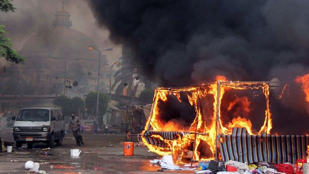 الهجوم على اعتصام القيادة العامّة في السودان يعيد إلى الضوء مجزرة «ميدان الشهداء» في البحرين