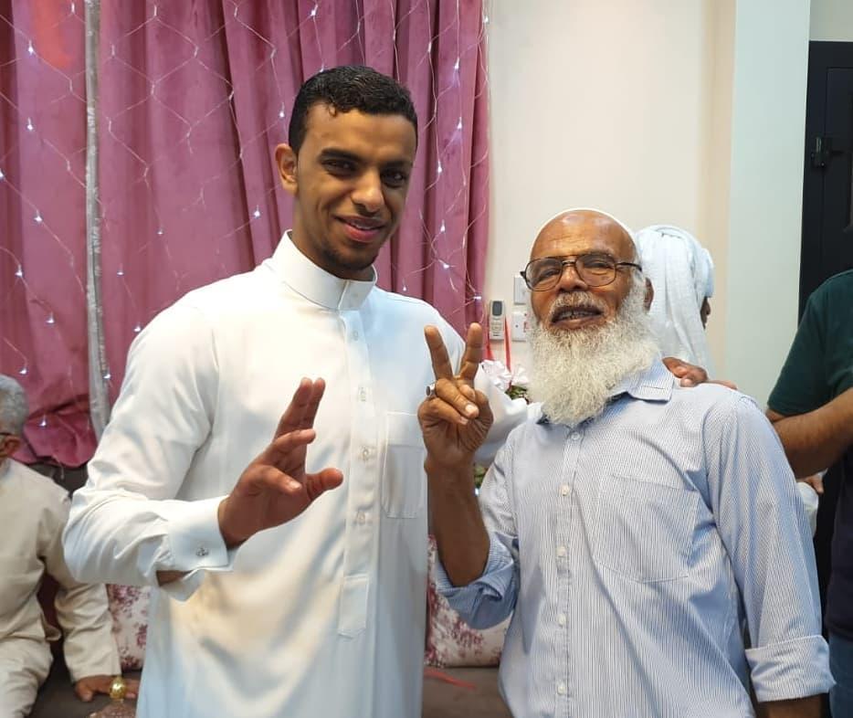 آباءالشهداء وشخصيّات ثوريّة يزورون المحرر «صادق فاضل»