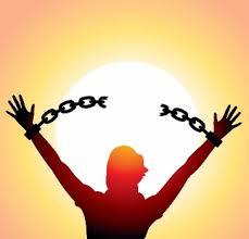 رجالات الصمود يباركون للمجاهد «جواد كاظم» خروجه من المعتقل بعد خمسة أعوام من الظلم
