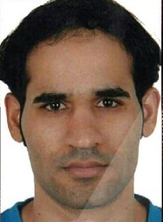 الكيان الخليفيّ يحرم المُعتَقل «عماد العريبي» من حضور دفن والدته