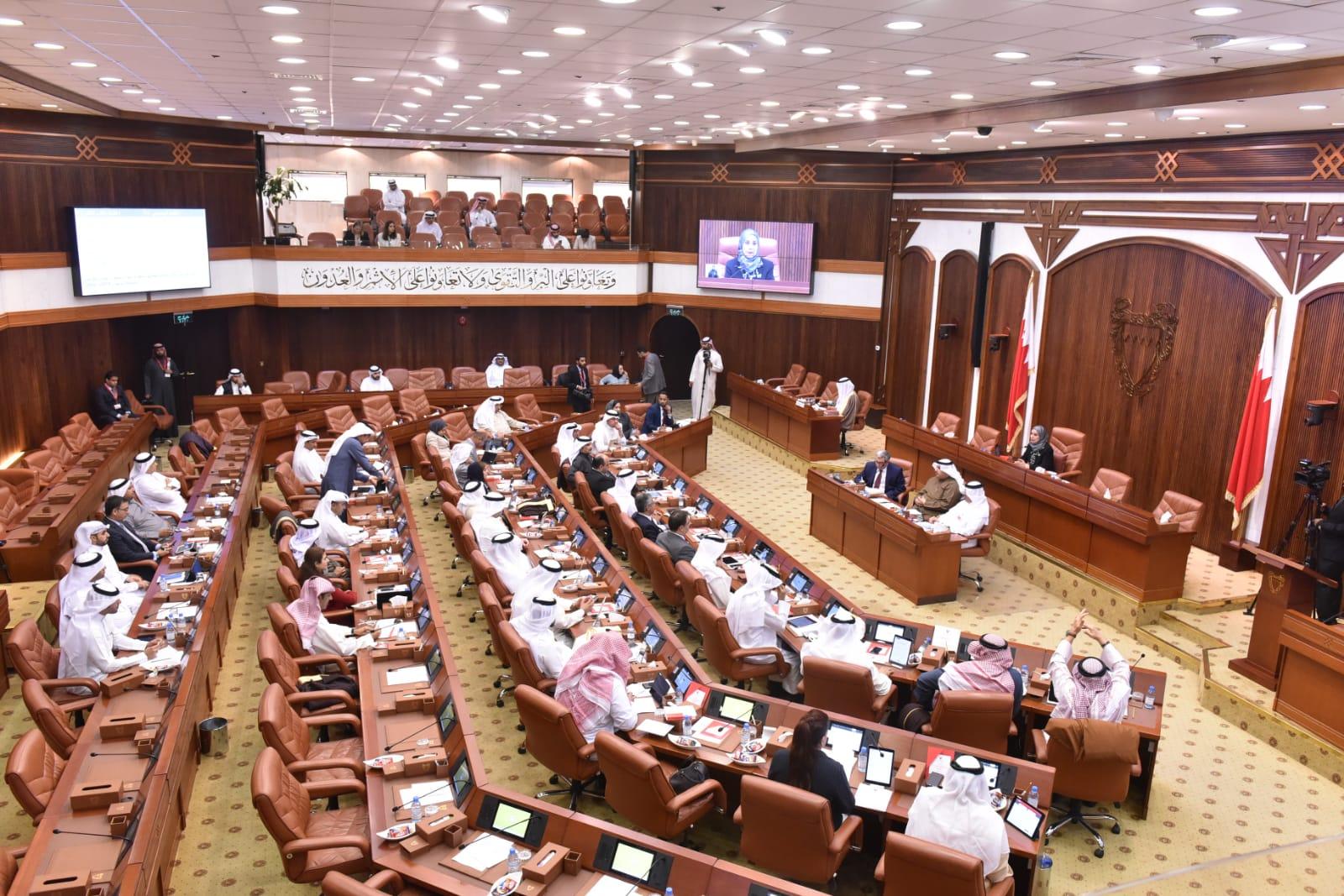 مراقبون: مجلس النوّاب الخليفيّ هدر للثروات ودوره الموافقة على قرارات الحكومة