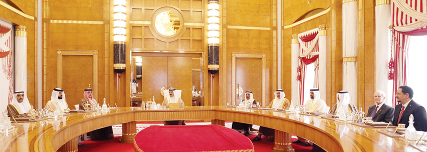 النظام الخليفيّ يحوّل الثروة النفطية في البحرين الى أموال برصيده في البنوك الدوليّة