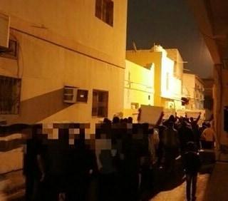 تظاهرة غرب المنامة وصور الشهداء تعلّق في بني جمرة