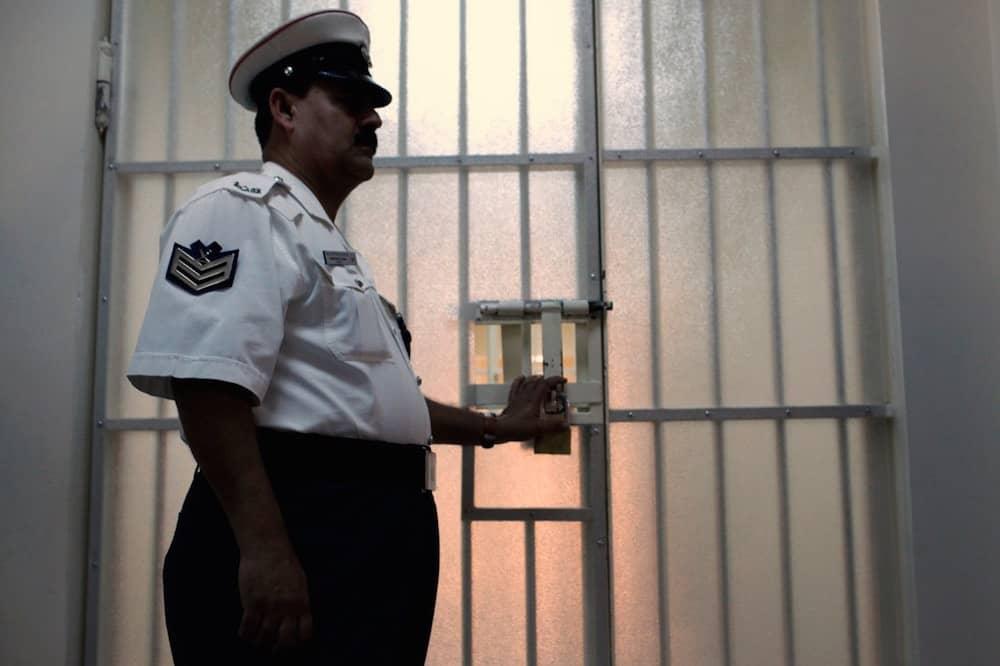 نتيجة سياسة عدم المحاسبة.. مرتزق يمنيّ يسيء للمعتقلين