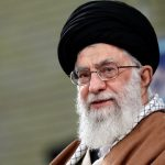 السيد الخامنئي في ذكرى رحيل الإمام الخميني: التغيير هو الابتعاد عن التقوقع للوصول إلى الأفضل
