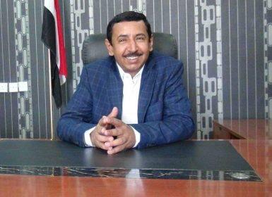 مرتزقة هادي وحزب الإصلاح يهرِّبون ملايين من براميل النفط شهريًّا من ميناء النشيمية