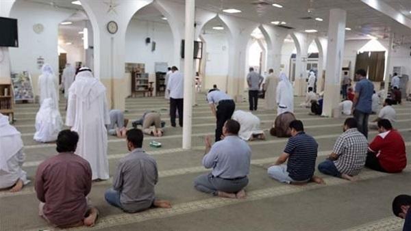 ما يسمّى بالمجلس الأعلى للشؤون الإسلاميّة يُعلن استمرار تعليق الصلوات في المساجد