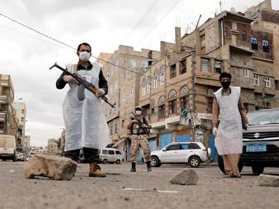 الطيران الحربي السعودي يشن هجومًا على عدد من المدن اليمنية