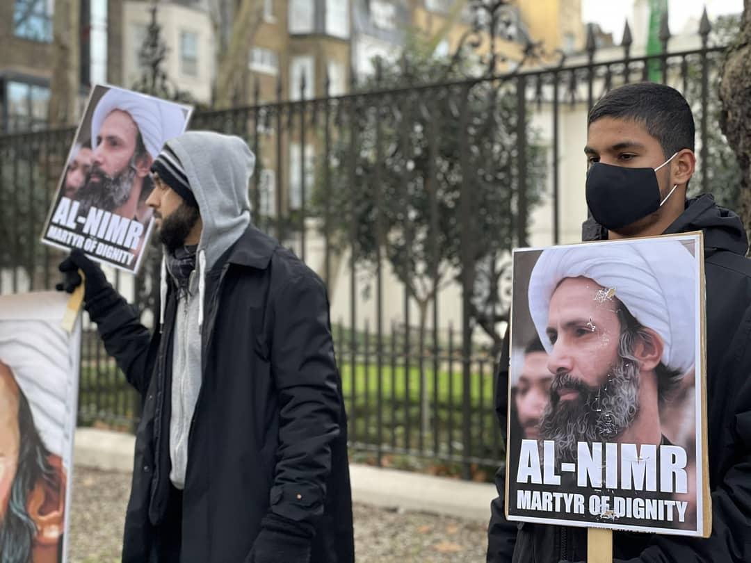 وقفة غاضبة بالقرب من السفارة السعوديّة بلندن في ذكرى إعدام الشهيد النمر