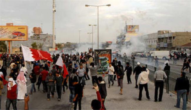 سيناتور أمريكي: البحرانيّون ينتظرون تحقيق مطالبهم منذ عشر سنوات والنظام يقابلها بالعنف