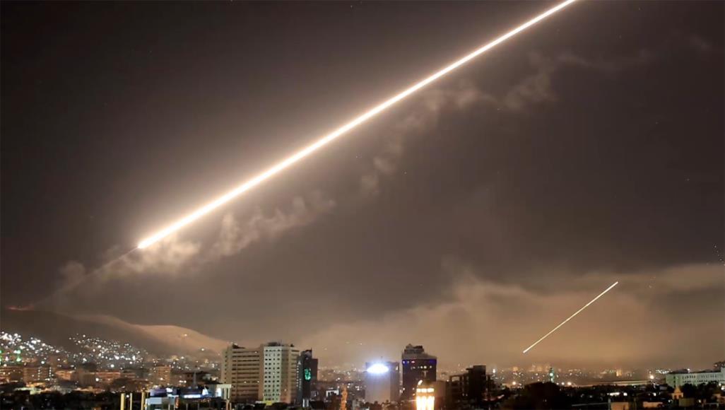 سوريا تتصدّى لصواريخ العدوان الصهيونيّ وبوتين يؤكّد أنّ العقوبات الغربيّة غير قانونيّة