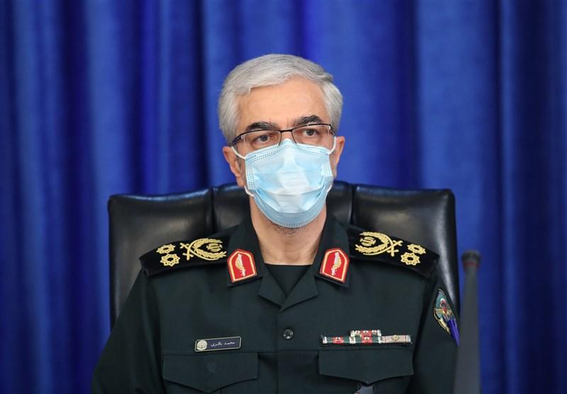 رئيس الأركان الإيرانيّ يدعو إلى الوحدة في العالم الإسلاميّ لمواجهة الإرهاب التكفيري