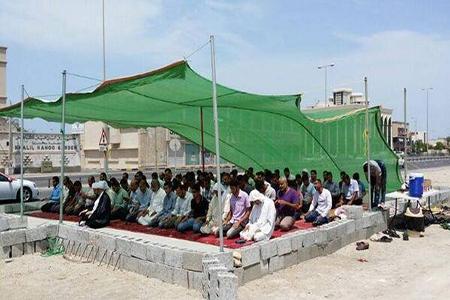 إقامة الصلاة على أنقاض  «المساجد المهدّمة» في البحرین
