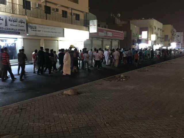 عاصمة الثورة «سترة» تتظاهر غضبا لاعتقال «الشيخ حسن عيسى»