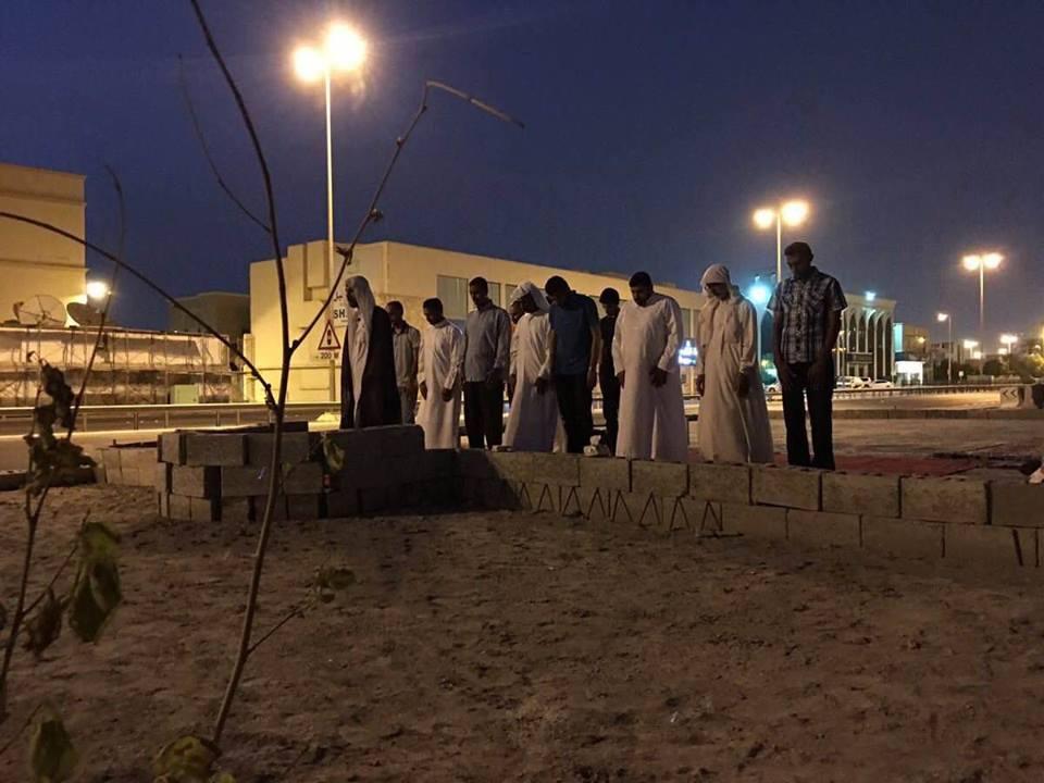 ثورة المحراب..إقامة الصلاة بمسجد العلويات المهدّم