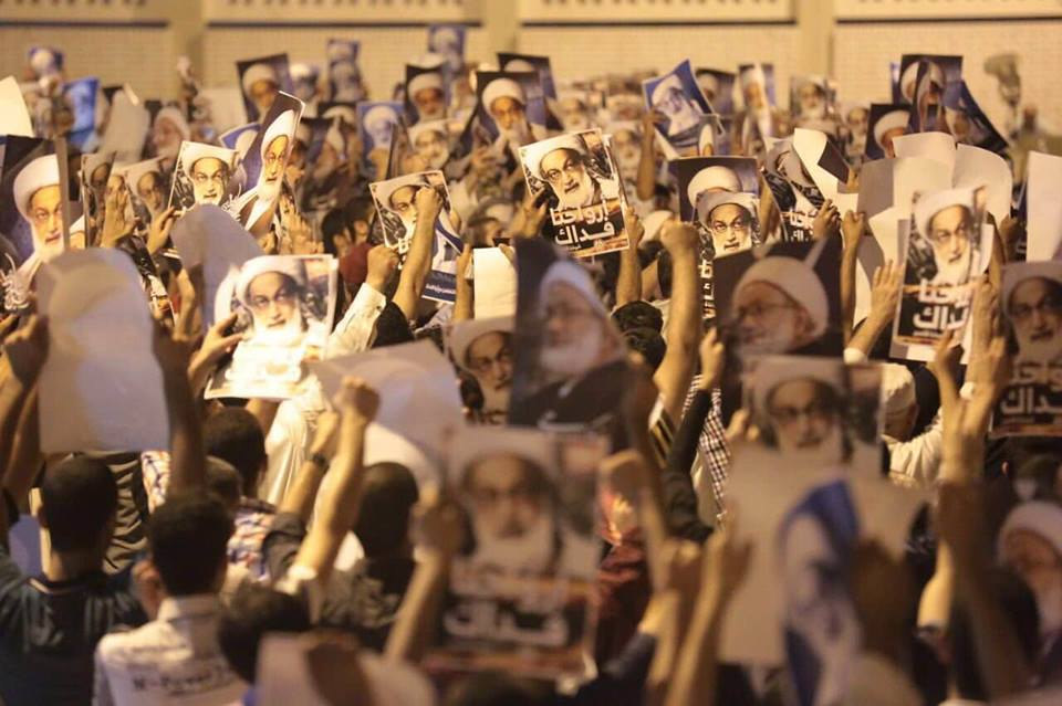 «حصار الدراز» يتهاوى أمام إصرار الجماهير على الوصول إلى «ميدان الفداء»