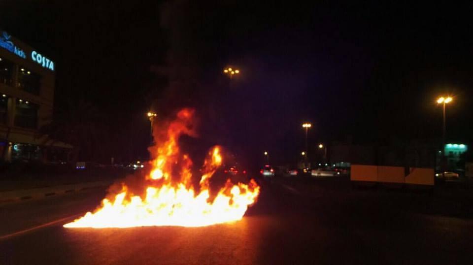 ثوّار البحرين يقطعون عددا من الشوارع دعمًا للمعتصمين في «ميدان الفداء»