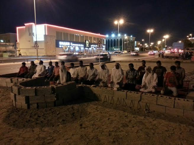 ذكرى «هدم المساجد» حيّة في نفوس البحرانيّين عبر إقامة الصلاة في بقاعها