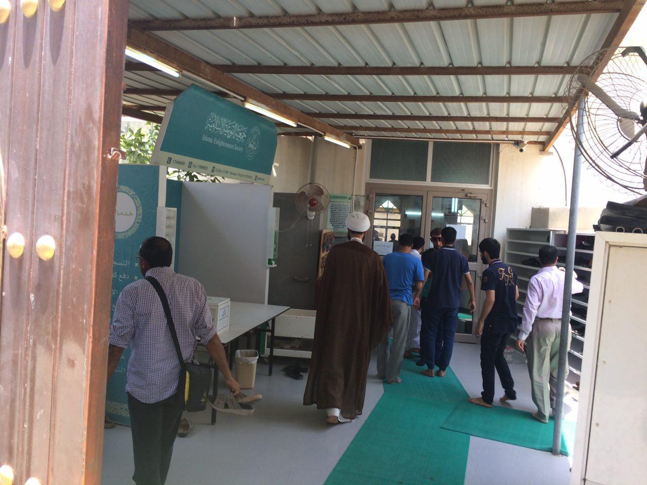 المواطنون يتحدّون الحصار ويتوجّهون للصلاة بالدراز «مشاية»