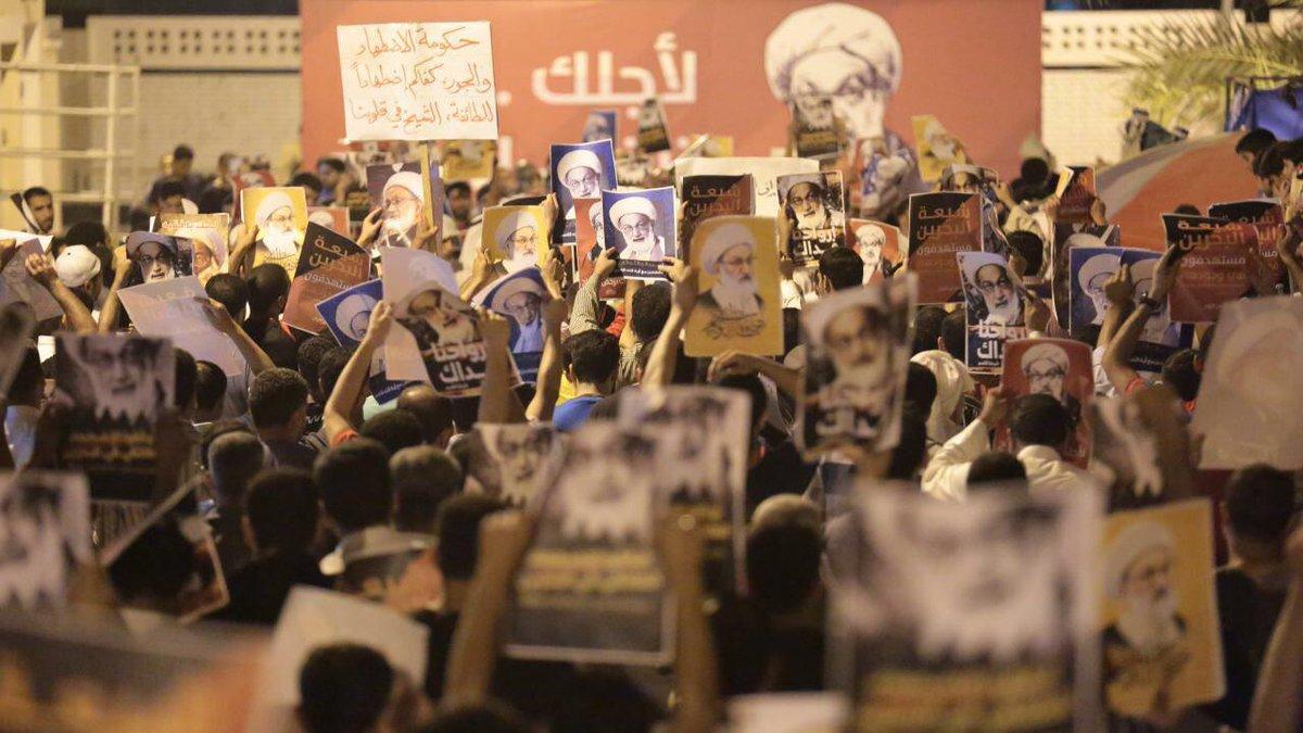 الحشود تواصل اعتصامها في «ميدان الفداء»
