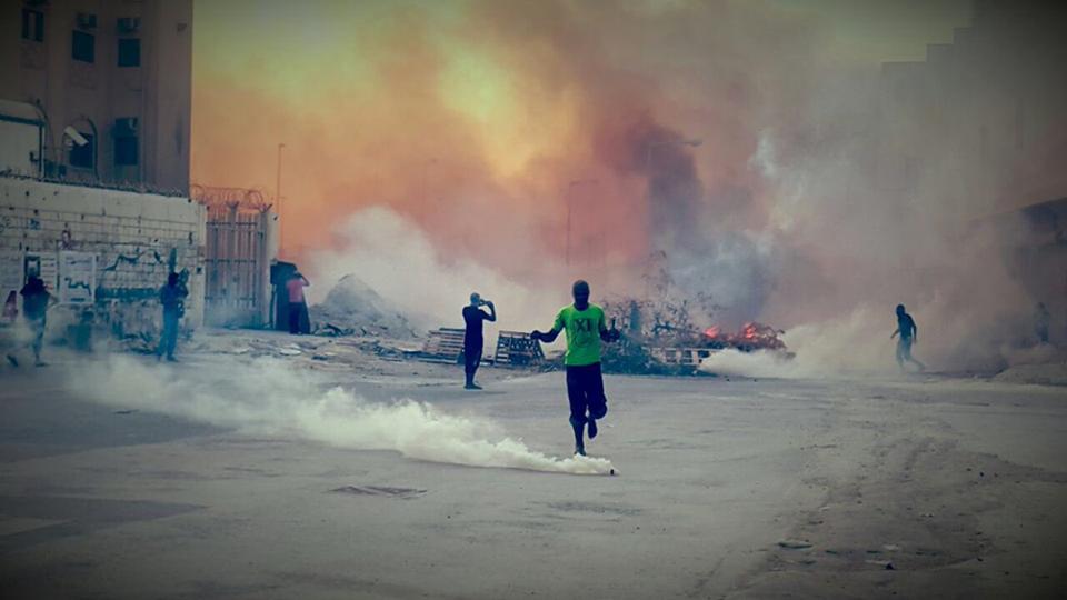 بالصور: هجوم عنيف للمرتزقة على تظاهرة «بدمي أقرّر مصيري»