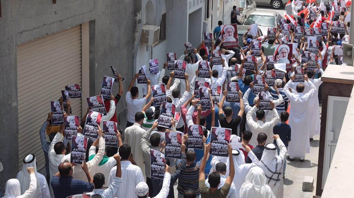 تظاهرة غاضبة «غرب المنامة» بعد منع صلاة الجمعة