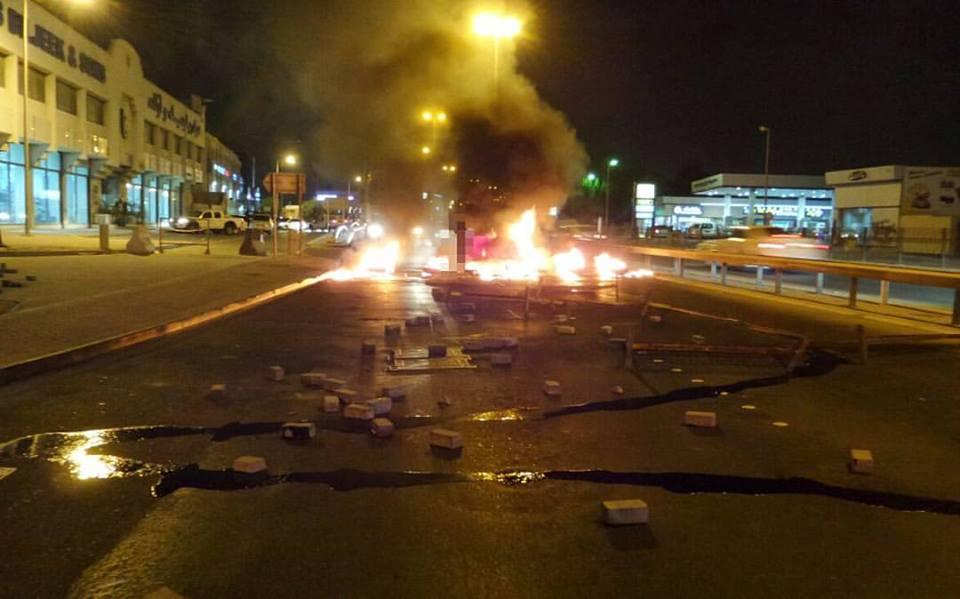 قطع شارع «خط النار» لليوم الثاني تمسّكًا بحقّ تقرير المصير