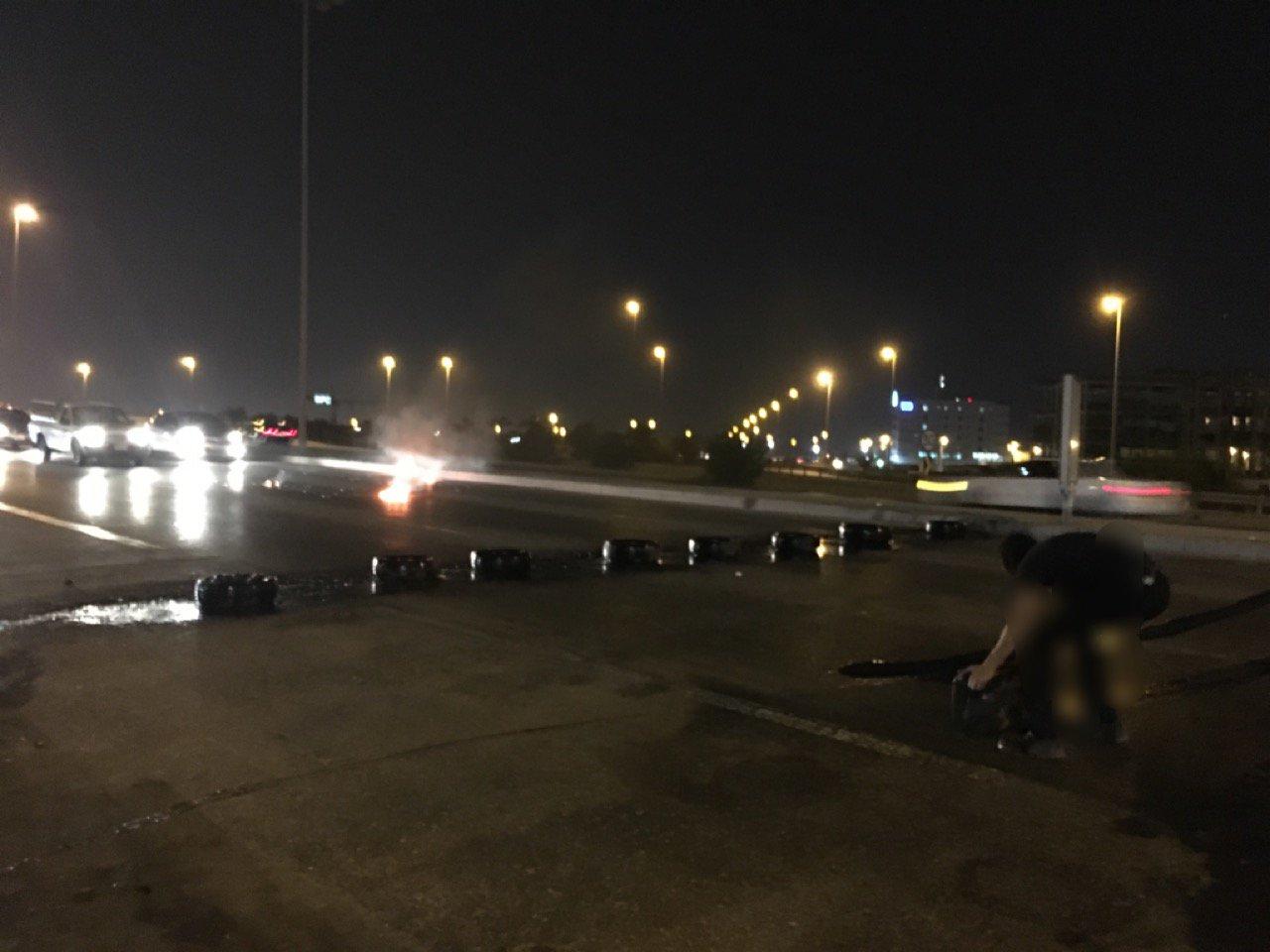 ثوّار البحرين يقطعون «جسر الثوّار» وشارع «خطّ النار»