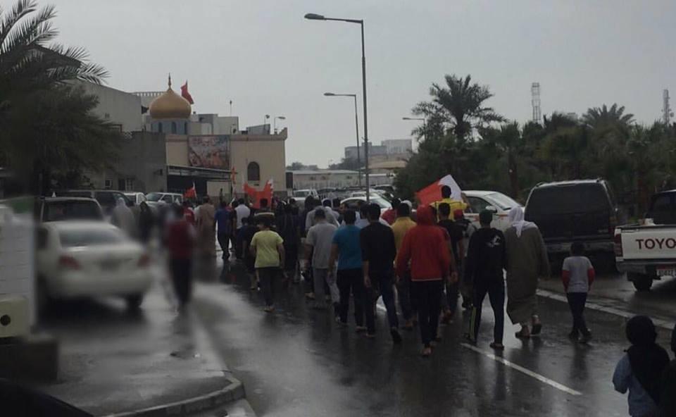 تظاهرات غرب المنامة بعنوان «فداء للفقيه»