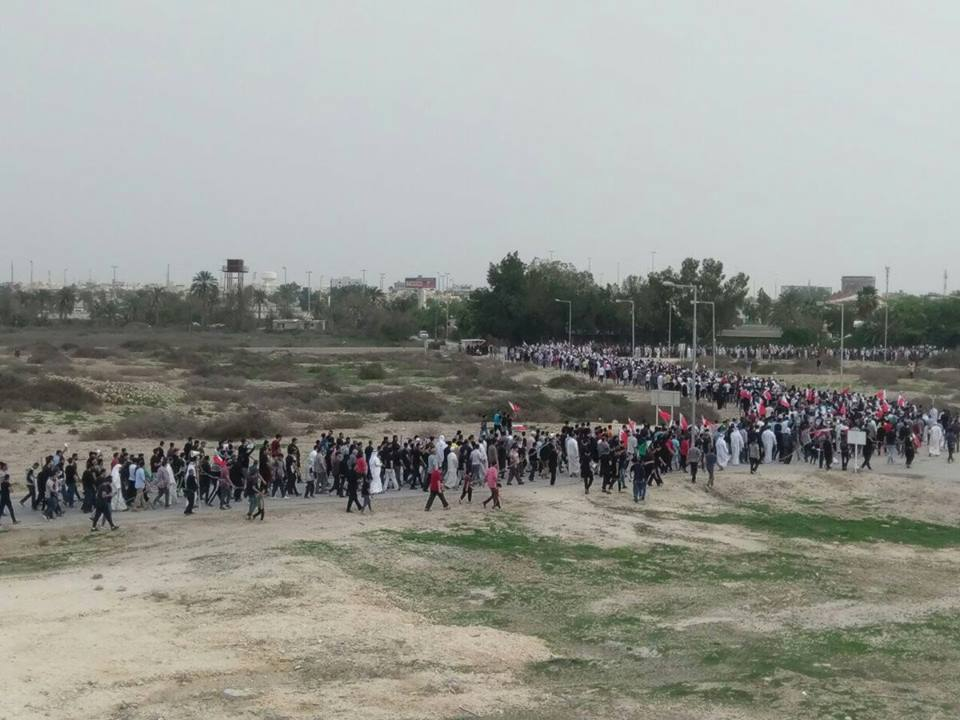 «عشرات الآلاف» يشاركون في زفاف «شهيد الفداء» مصطفى حمدان