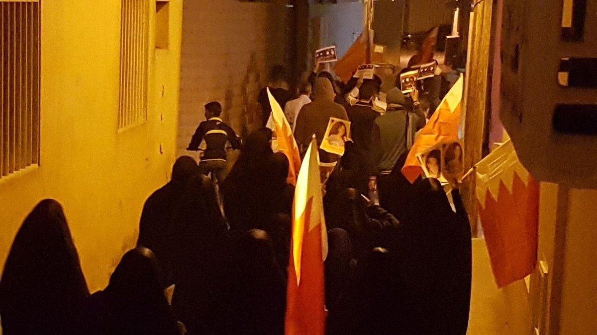 أهالي البلاد القديم يتظاهرون تضامنًا مع أسيرات الثورة