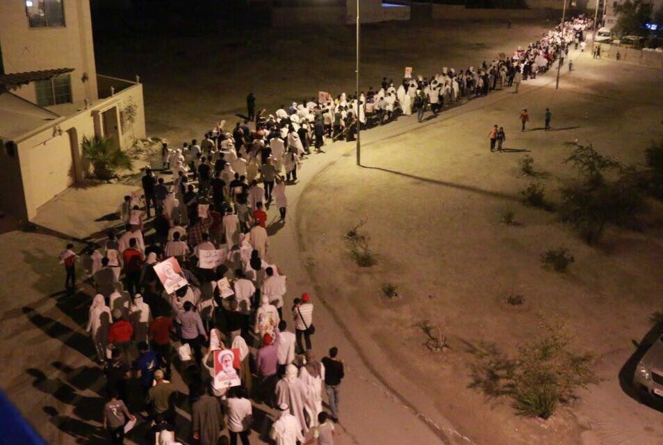 الآلاف يتخندقون في «ميدان الفداء» عشيّة 14 مارس