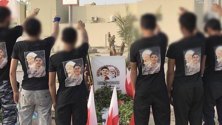 رفاق درب «شهيد الفداء» يؤدّون التحيّة الثوريّة عند روضته