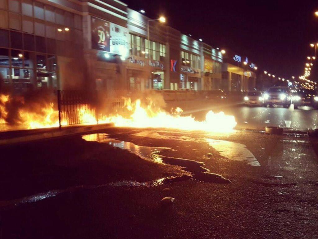 قطع الشارع القادم من العاصمة المنامة..والثوّار يتحدون الاستنفار