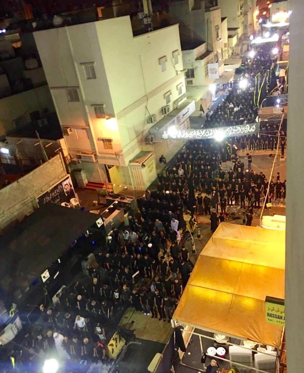 رغم المنع..صلاة مركزية حاشدة وسط العاصمة المنامة ليلة العاشر من محرم