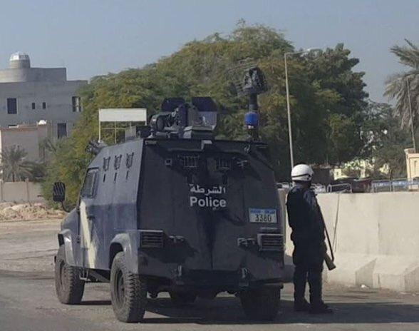 الكيان الخليفيّ يواصل منع شعائر الجمعة والجماهير تكسر الحصار وتتظاهر