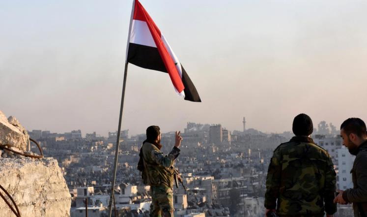 احتفالات برفع العلم السوري فوق كامل بلدات الغوطة الشرقية باستثناء دوما