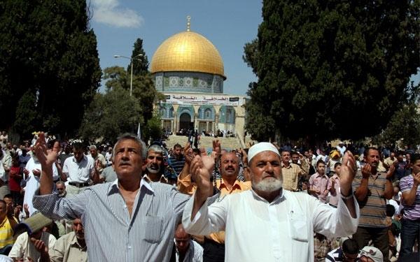 250 ألف مصلٍ أدوا صلاة الجمعة الثالثة من رمضان بالمسجد الأقصى