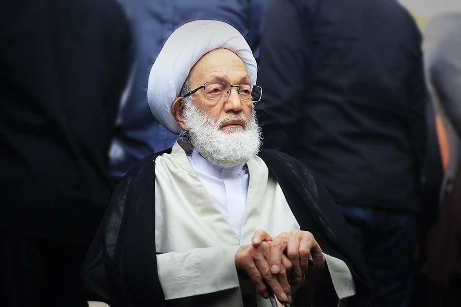 الفقيه القائد آية الله قاسم يغادر البحرين للعلاج