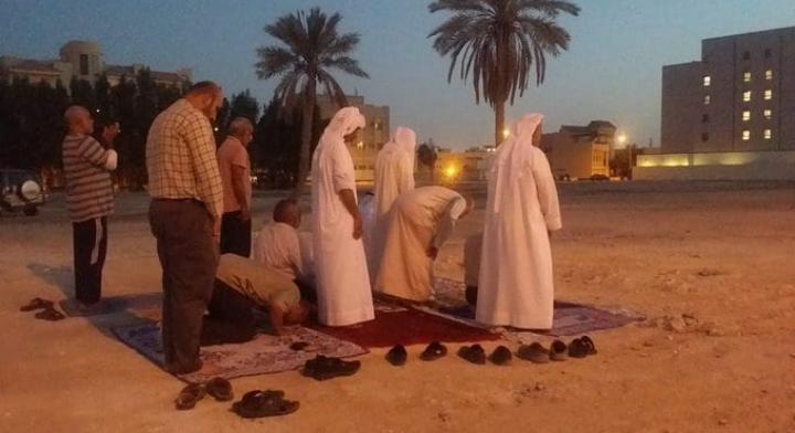 ثورة المحراب مستمرّة: الصلاة في مسجد العلويات المهدّم مرّتين