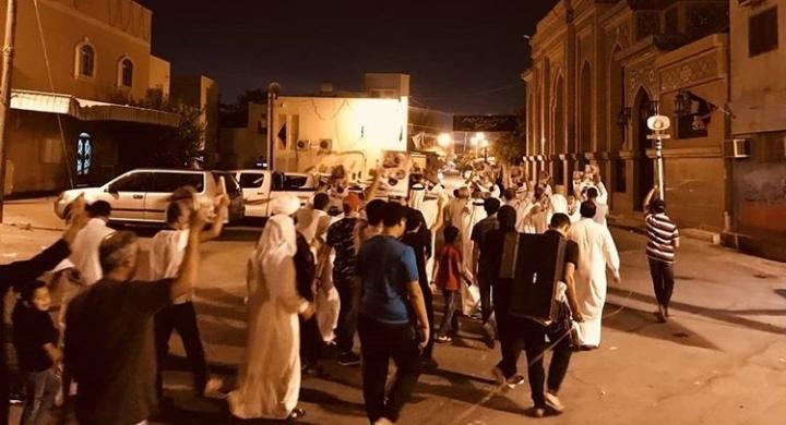 أهالي «أبو صيبع والشاخورة» يتظاهرون تحت شعار «مثلي لا يبايع مثله»