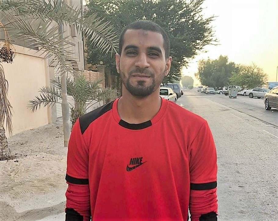 الشاب البطل محمد عبّاس يُعانق الحُريّة بفخر واعتزاز