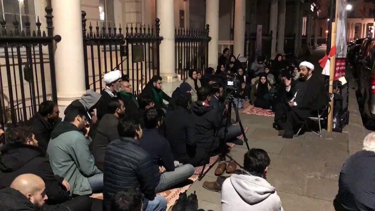 مجلس حسينيّ في اعتصام الناشط «علي مشيمع»