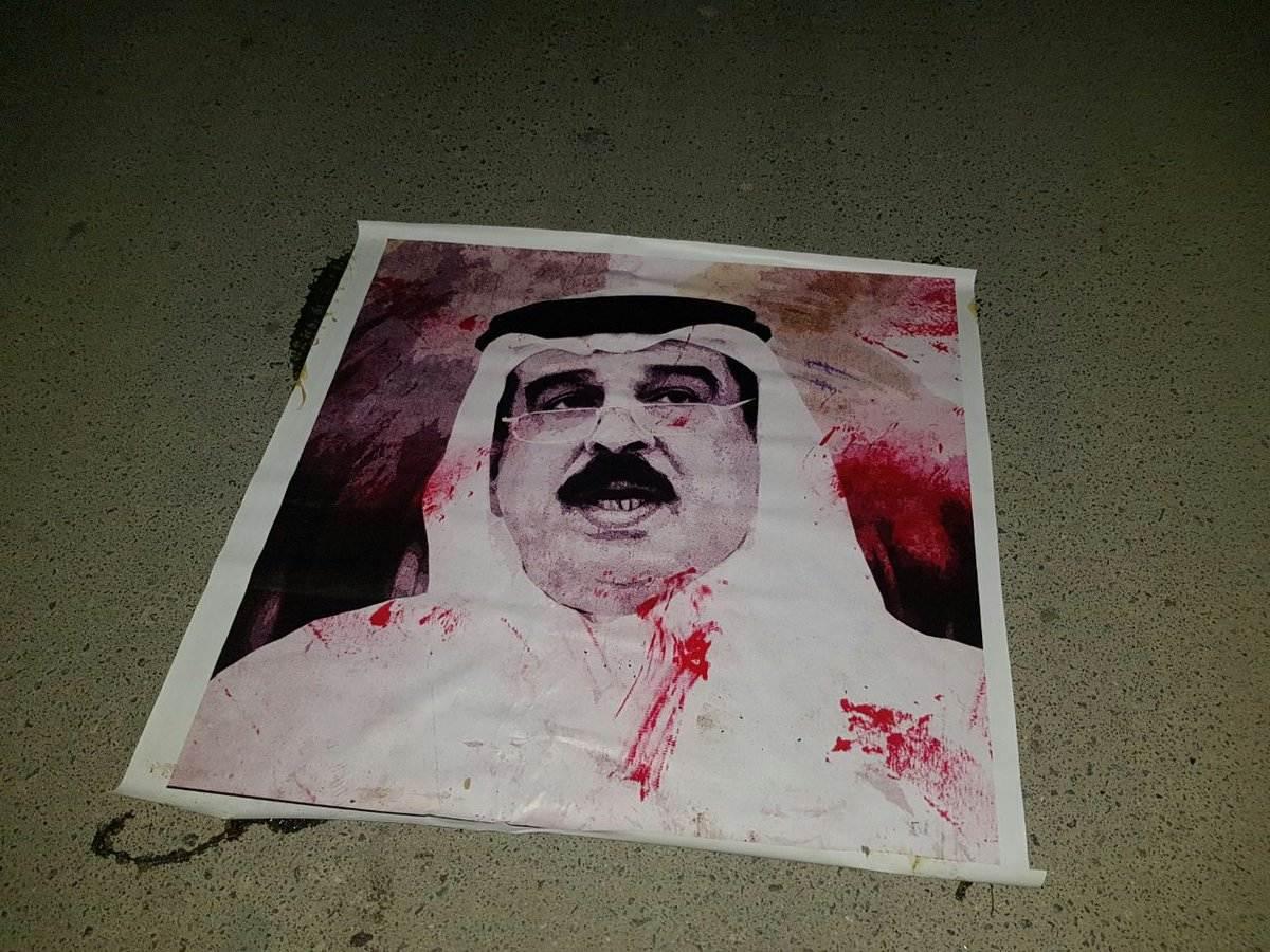 قبل أيام من انطلاق مشروع العريضة الشعبيّة .. صور الديكتاتور تحت الأقدام ببلدة كرانة