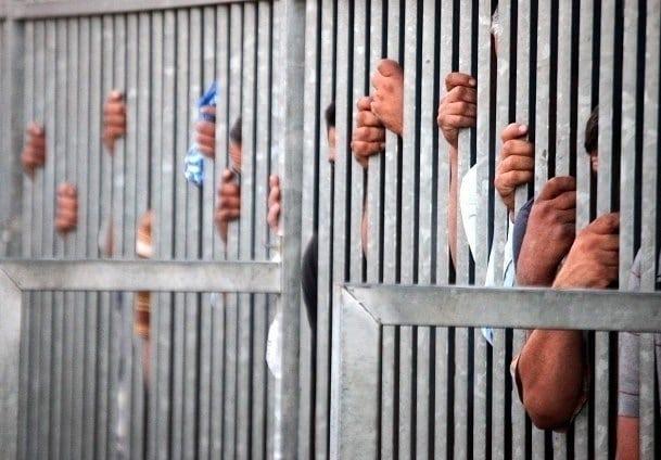 فقط في البحرين: أسر وعوائل بأكملها في السجون الخليفيّة