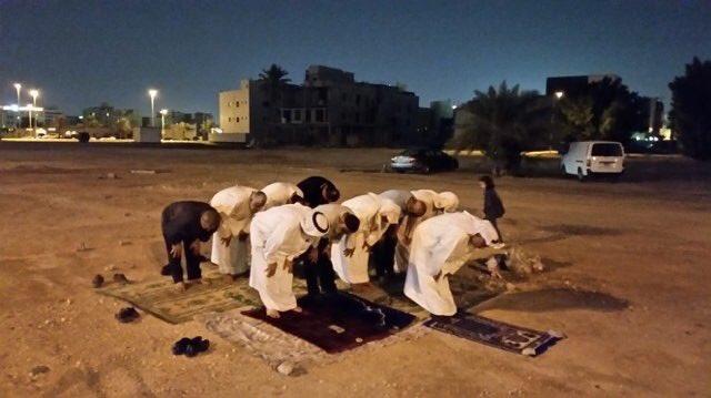 استمرار الصلاة في موقع مسجد «العلويات» المهدّم