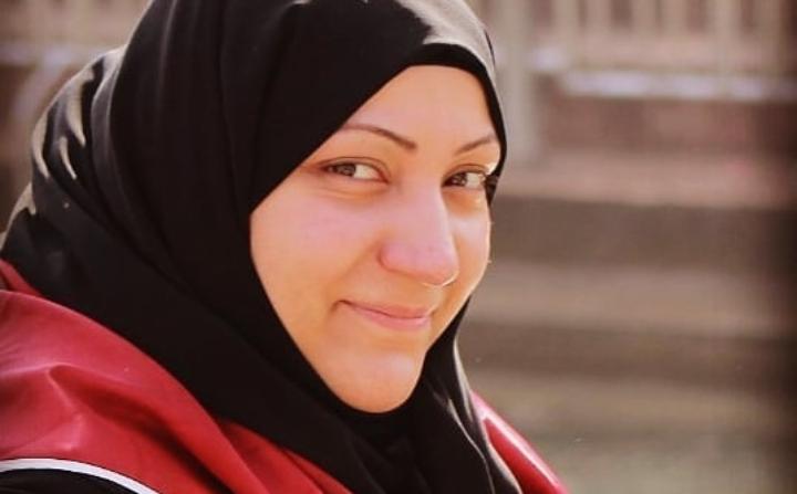 معتقلة الرأي «مدينة علي» تطالب بحقّها في العلاج والرعاية الطبيّة