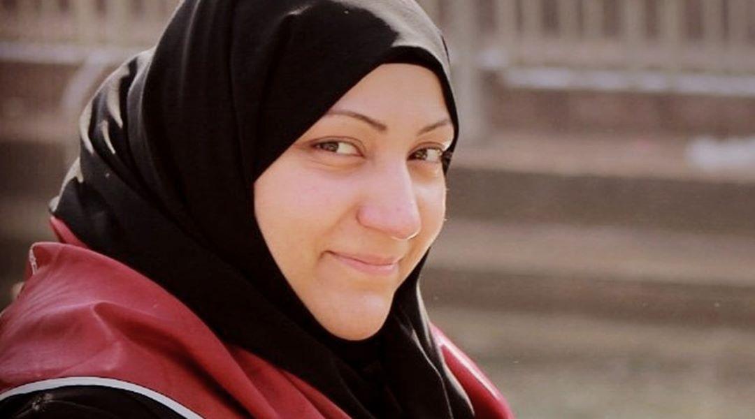 عائلة معتقلة الرأي «مدينة علي» تطالب بالتواصل معها بعد انقطاع أخبارها