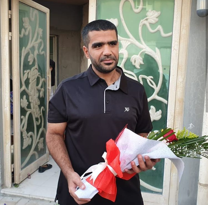 After 8 years of imprisonment on political grounds, the young man Hassan Abdel Wahab embraces freedom